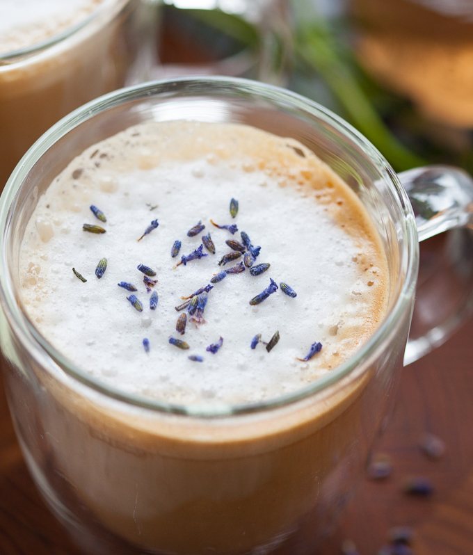 Lavender-Latte-with-Almond-Milk-7-2