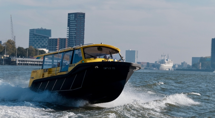 Watertaxi - MSTX15 schuin