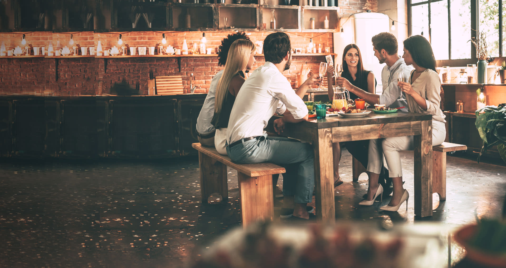 friends-table-banner