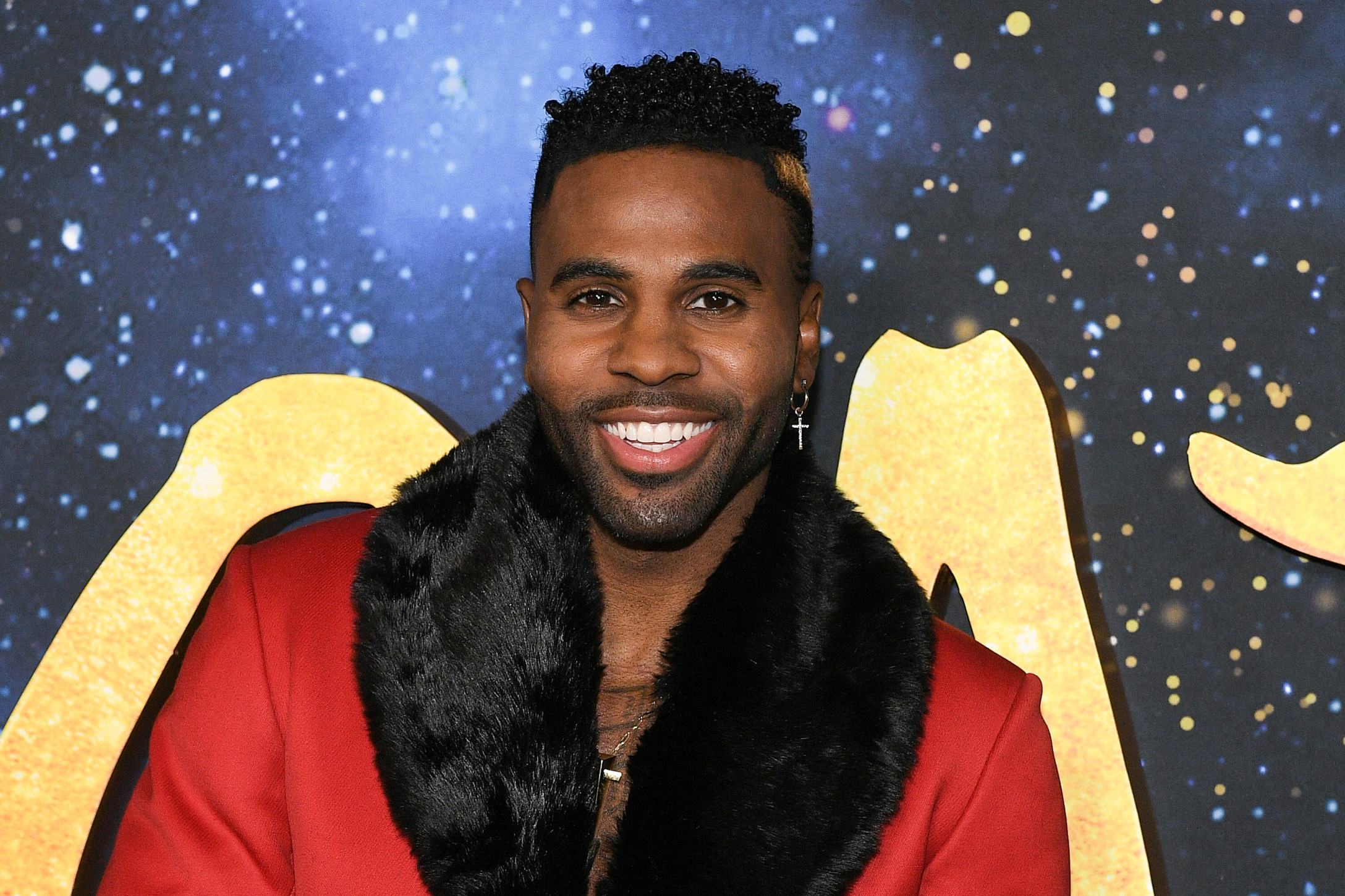 Jason Derulo Goes 'Everywhere' With His Baby Son Strapped to His Chest in Hilarious Video