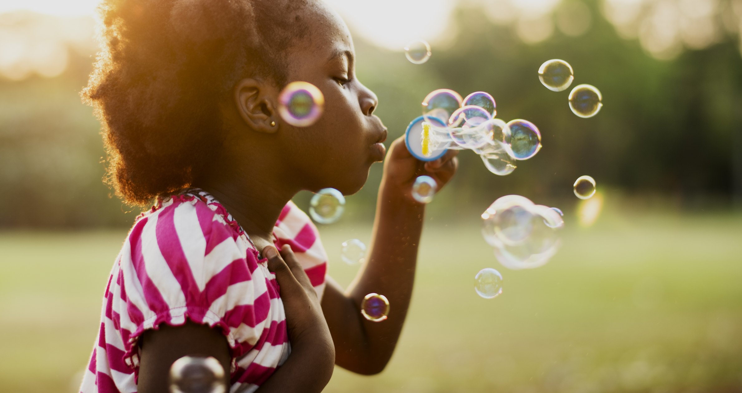10 Ways to Get Your Toddler to Play Independently