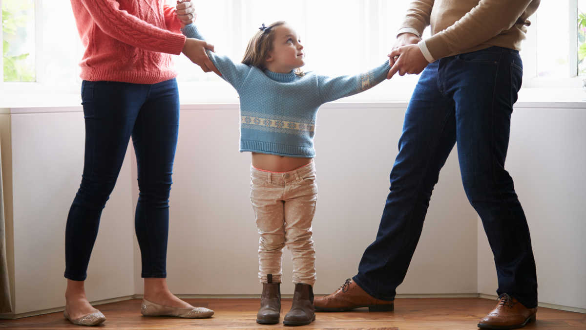 How to Manage Child Custody Agreements During Lockdown | Mom.com