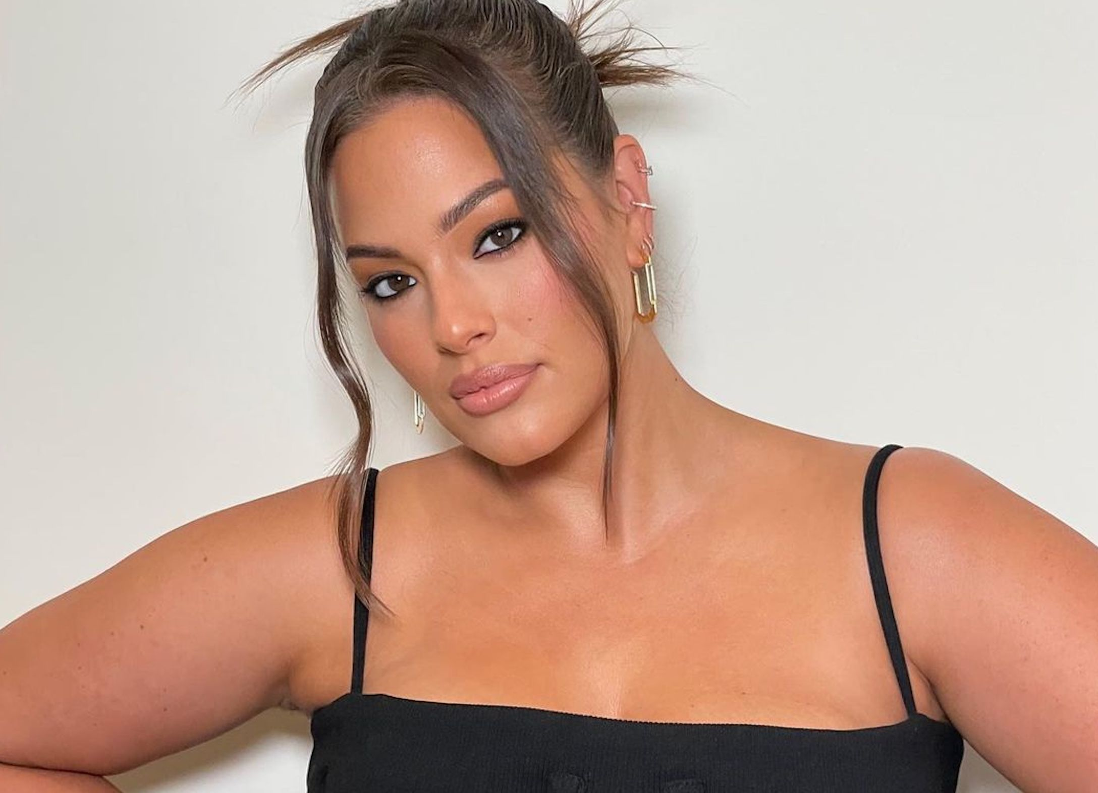 Ashley Graham Shows Off Her Growing Baby Bump in Empowering Body Positivity TikTok