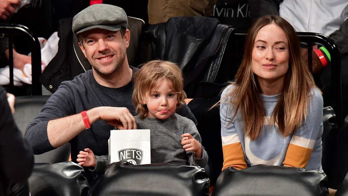 Olivia Wilde Thanks Strangers for Helping After Son's Tantrum | Mom.com
