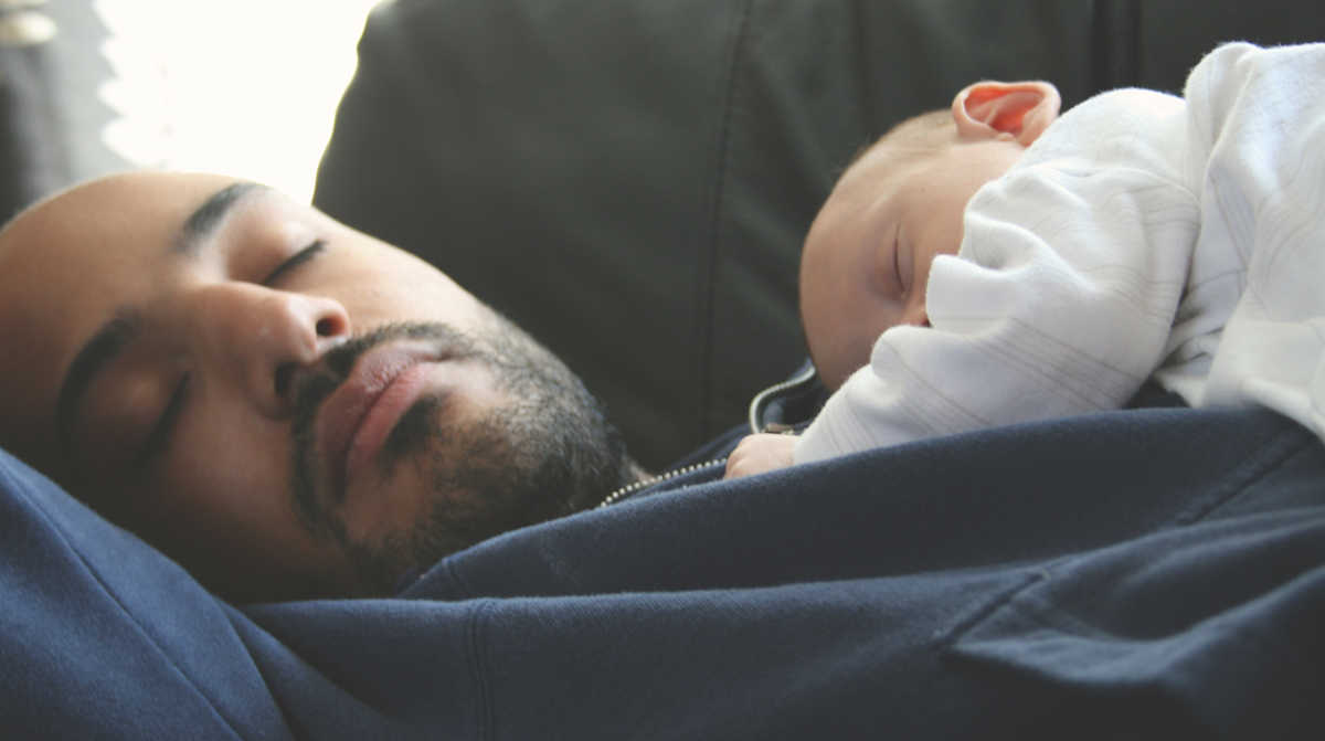 What To Do If Your Baby Will Only Fall Asleep In Your Arms Mom Com