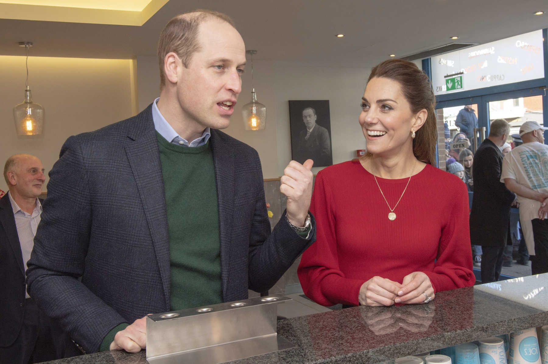 Prince William & Kate Middleton May Miss Out on Christmas With the Queen | Mom.com