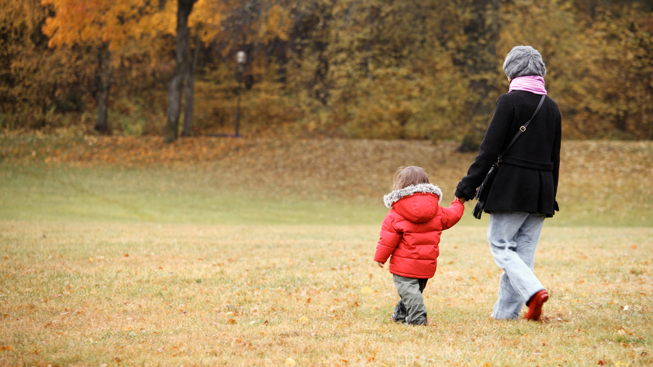 7 Things Only Shy Moms Know About Parenting