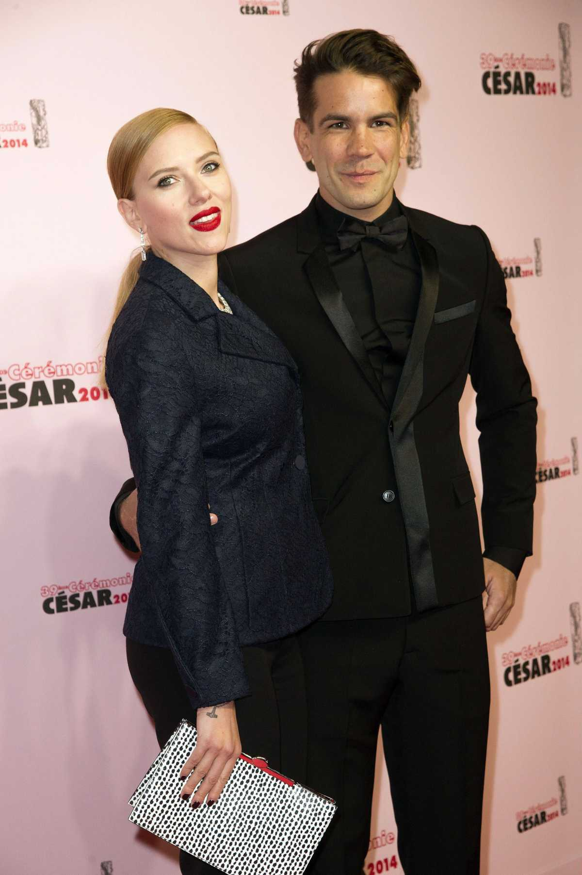 Scarlett Johansson Welcomes First Child Daughter Rose Mom Com