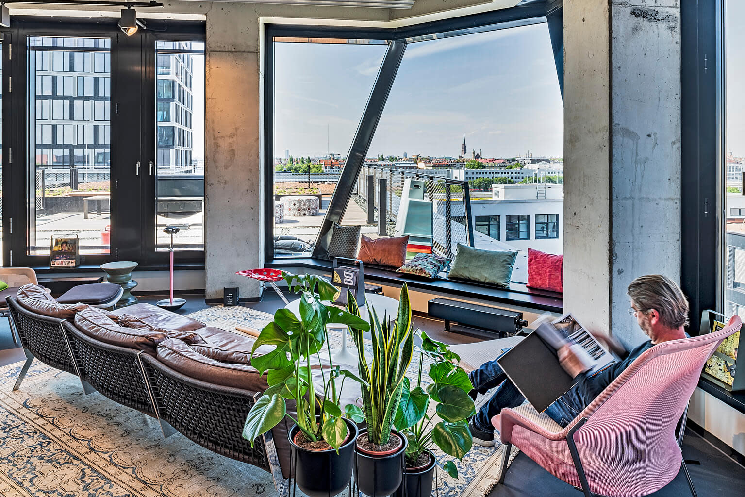 Rooftop Lounge am Standort Design Offices München Atlas