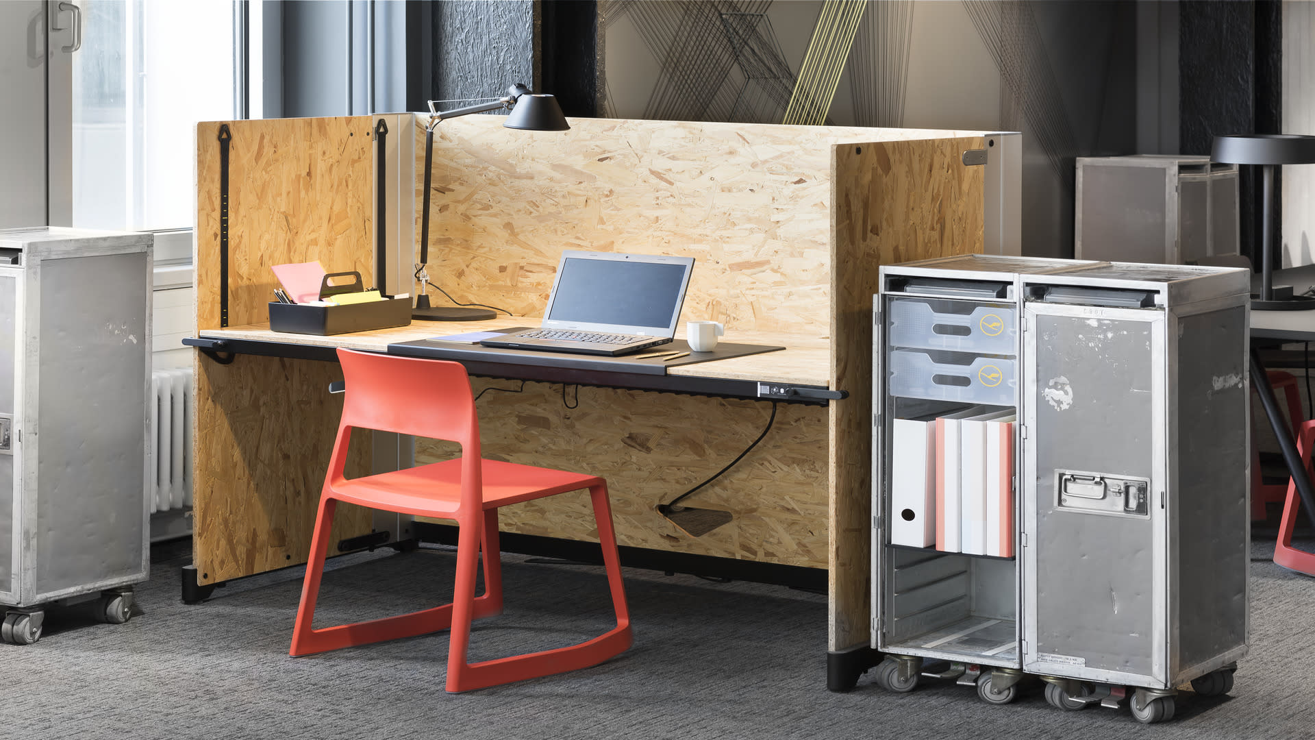Fix Desk bei Design Offices Stuttgart Tower