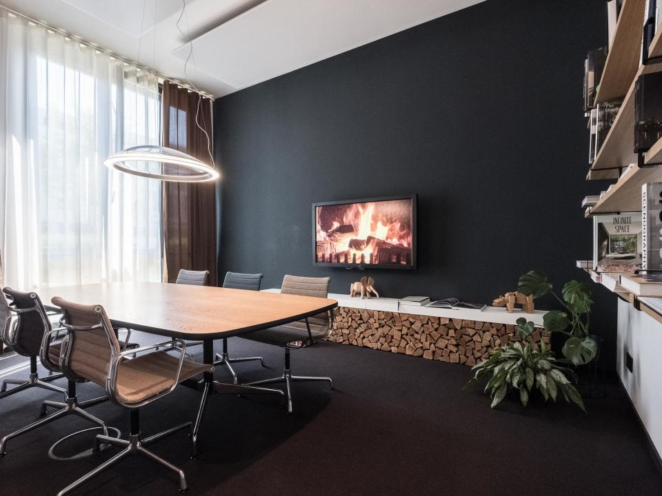 Fireside Room bei Design Offices München Arnulfpark