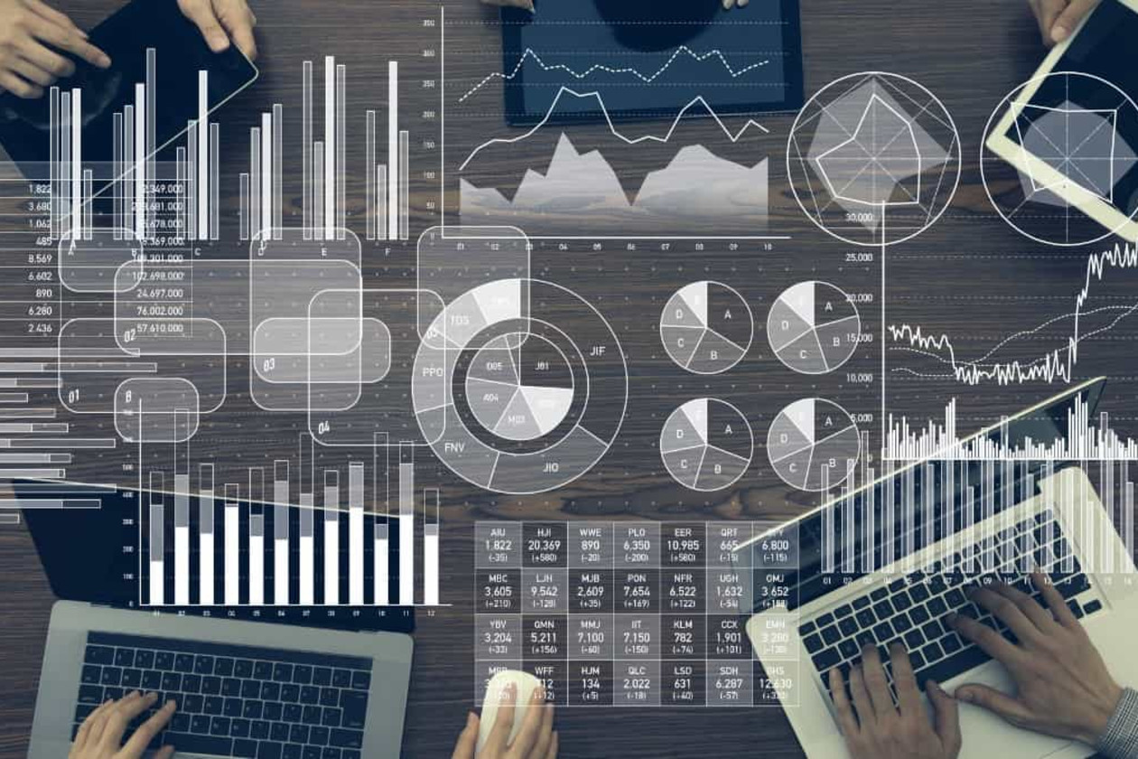 人材データの項目と管理