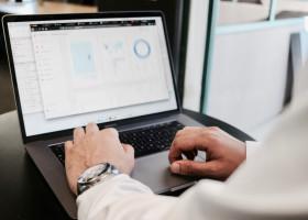 データドリブン人事(HR)とは?活用例・ツール・手法・本・資格を解説