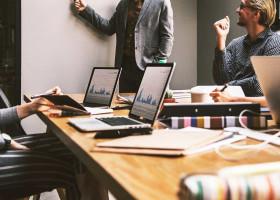 組織マネジメントの成功ポイントは?フレームワーク実践法と事例3選