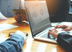 人事管理業務を効率化する方法とは?具体的な管理方法を解説