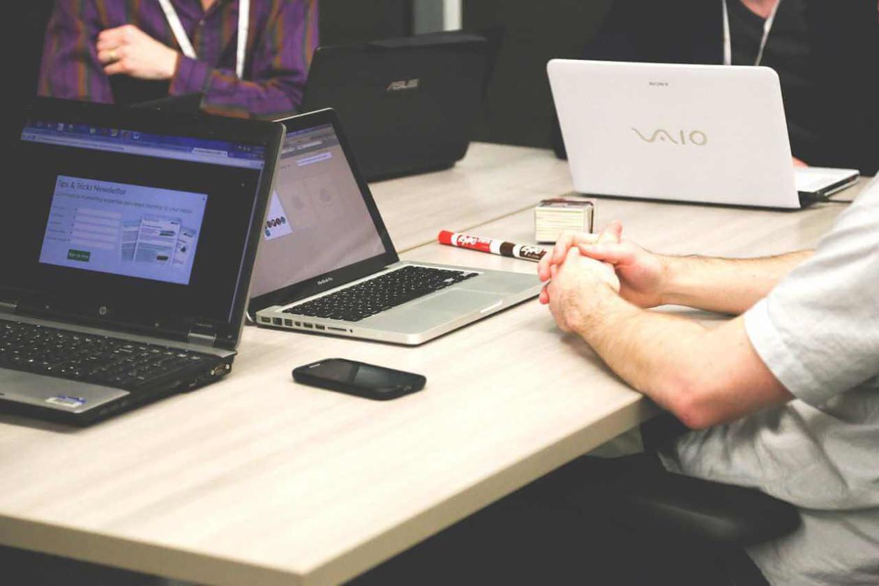 多拠点企業がグループウェアを導入する目的、メリット