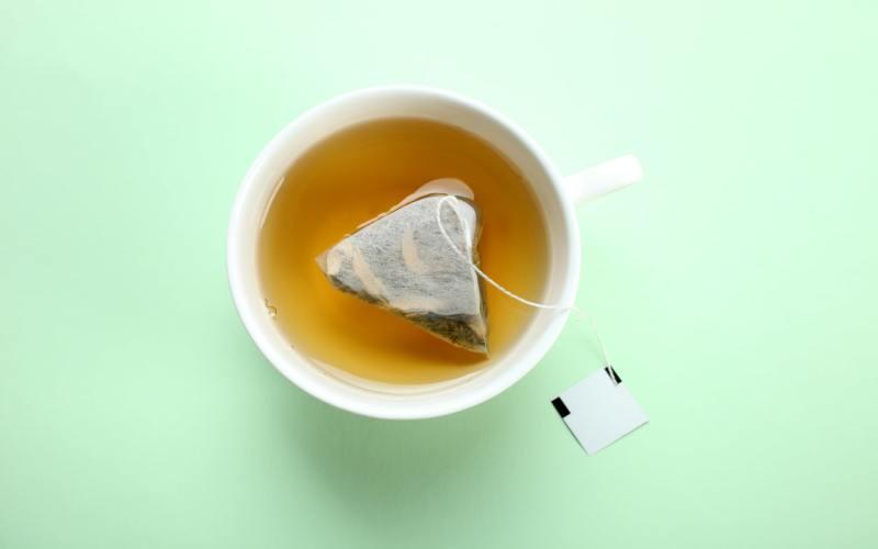 Haus-Tee pinkeln