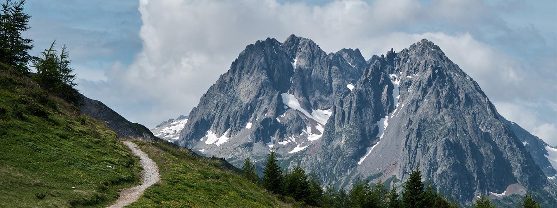 Un chemin en montagne