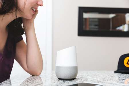 Smart device for voice search