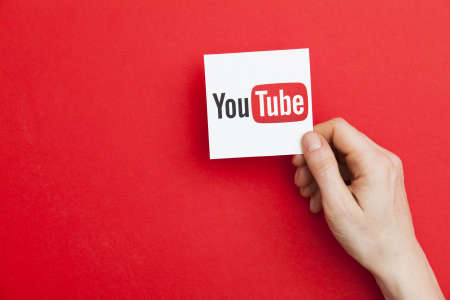 In the article, we will outline the top 5 benefits of YouTube advertising