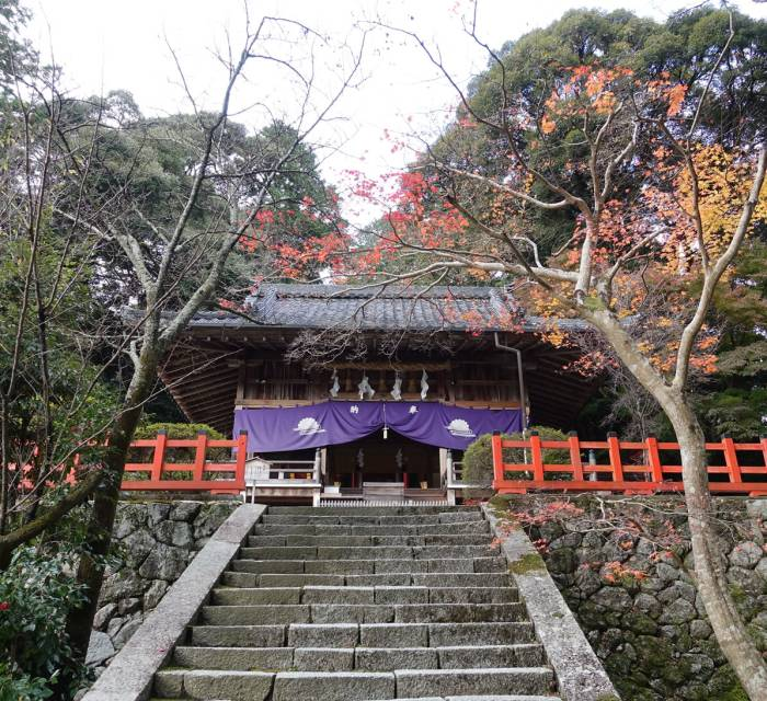 Takagamojinja Shrine 01
