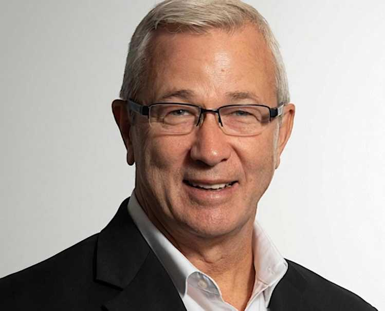 A headshot of Hearthside CEO Chuck Metzger