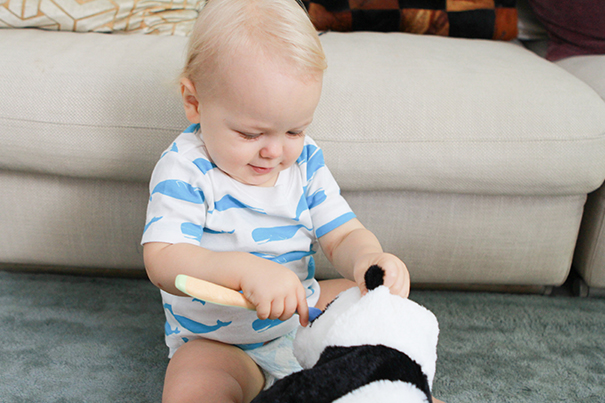 Cómo hacer divertido el momento de cepillarse los dientes de tu bebé