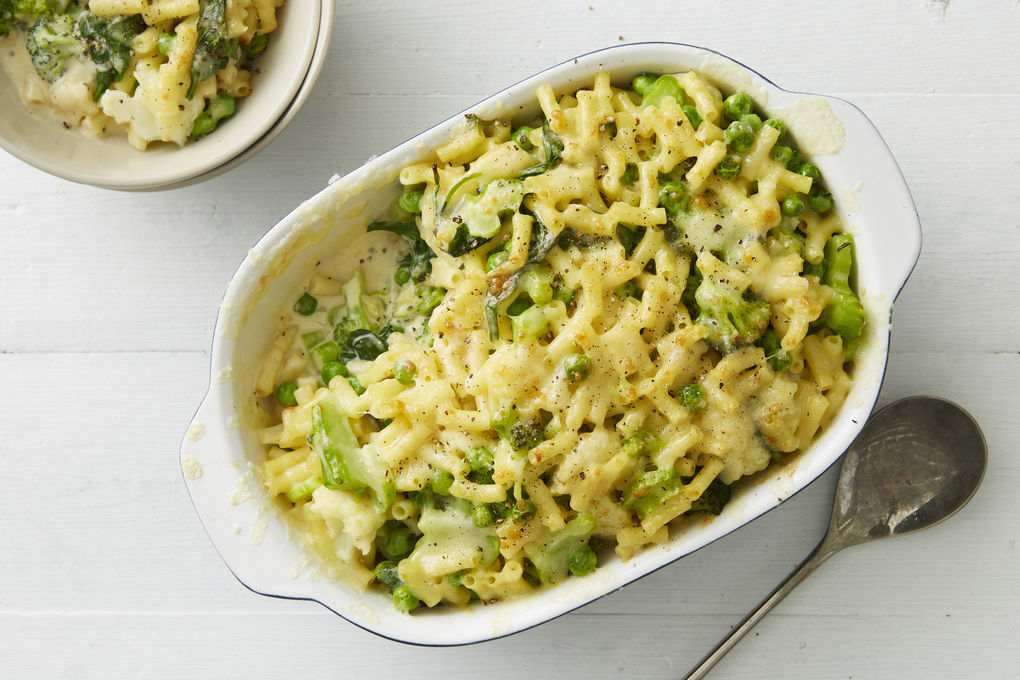 Macaroni Cheese with Broccoli, Cauliflower and Peas
