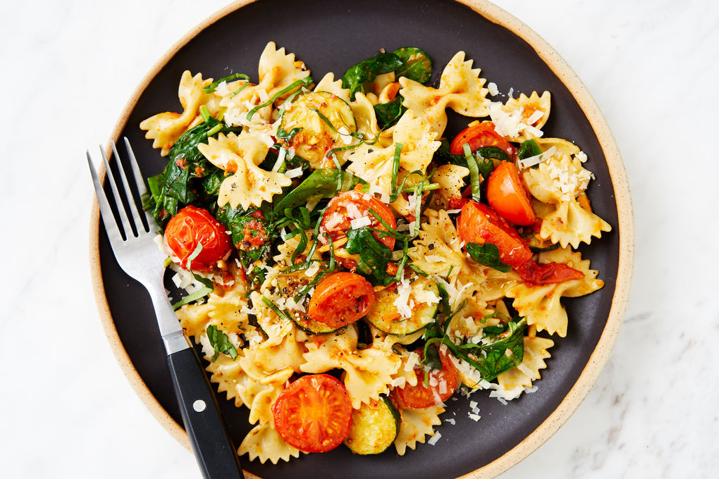 Farfalle with Red Pesto and Cherry Tomatoes, Spinach and Almonds