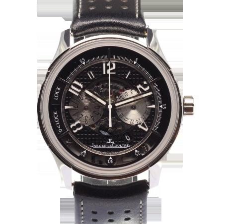 Ein Uhr von Jaeger-LeCoultre und Aston Martin