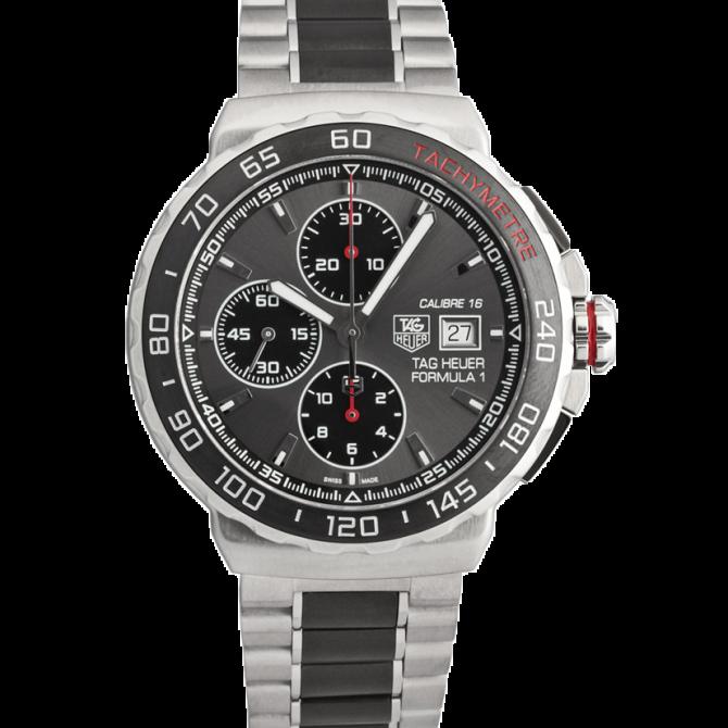 Eine Uhr im Motorsport-Look