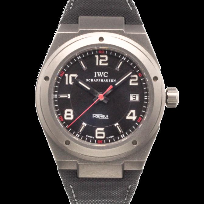 Eine Uhr für Technikbegeisterte