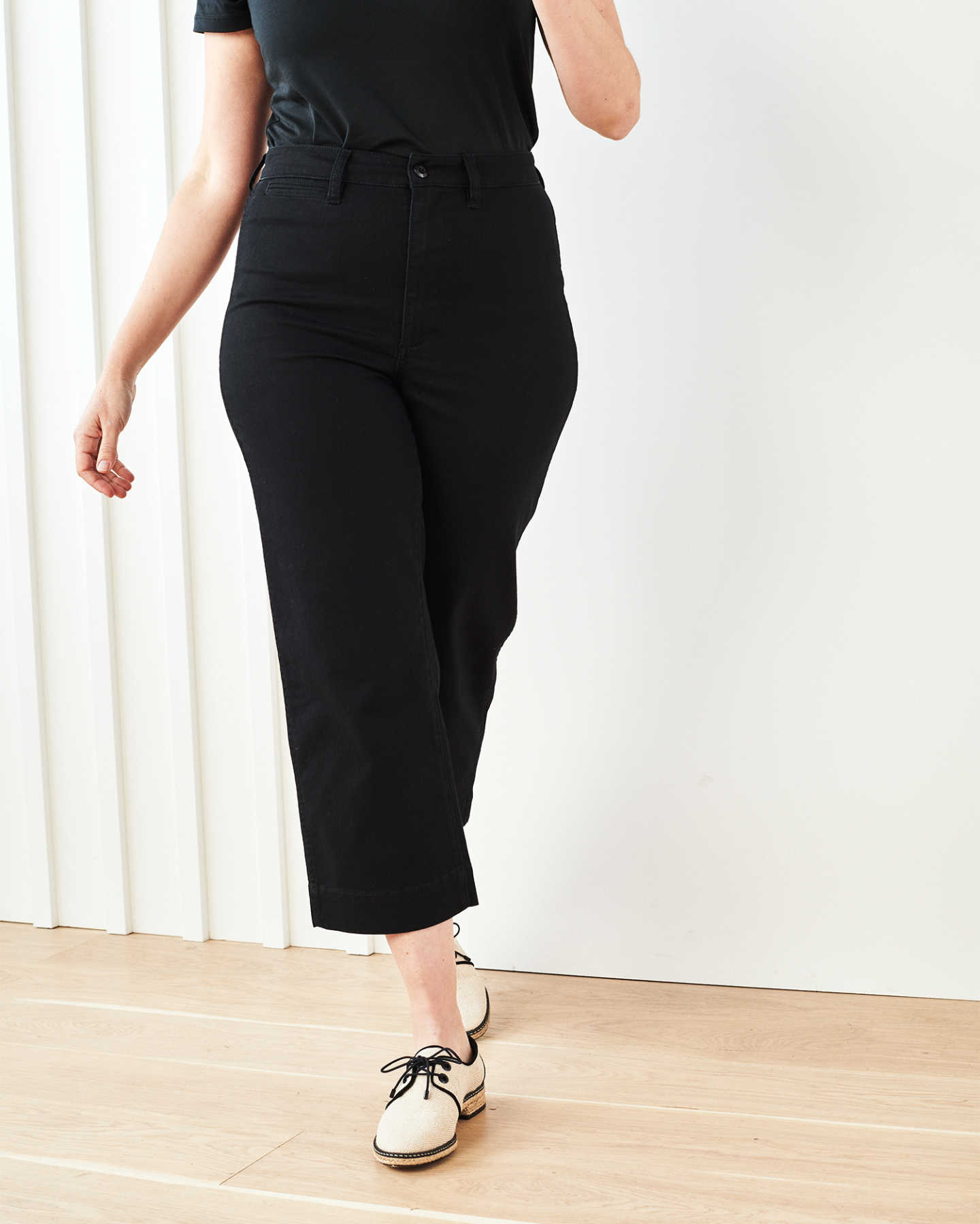 Stretch Cotton Twill Wide-Leg Crop Pant - Black - 2