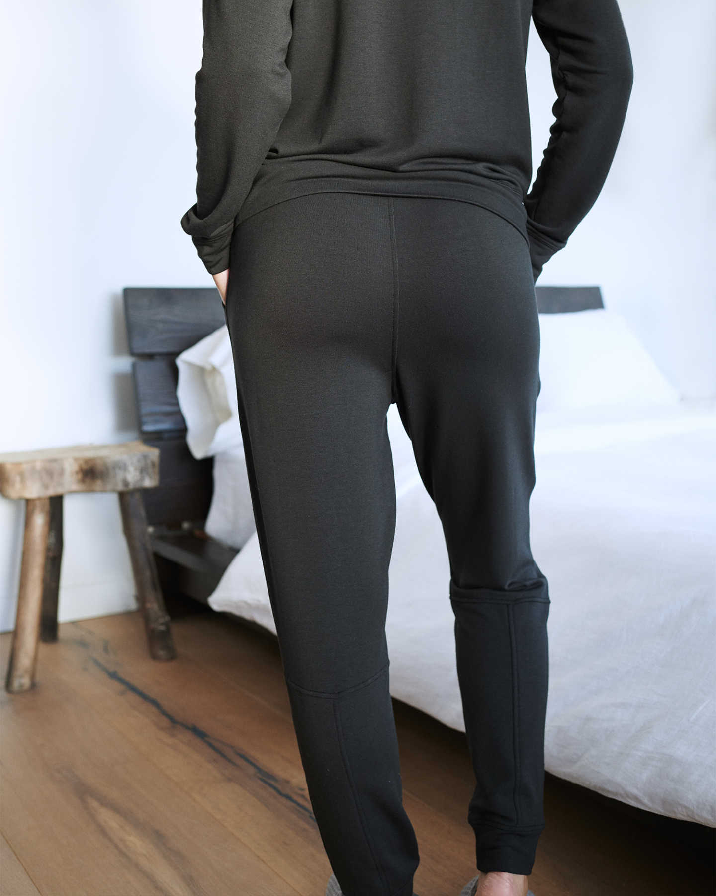SuperSoft Fleece Pants - Black - 4 - Thumbnail