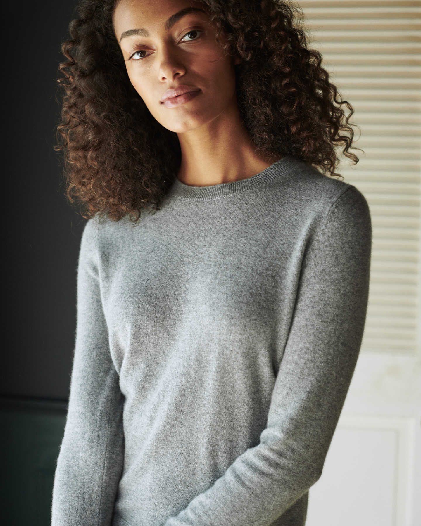 woman wearing grey womens cashmere sweater