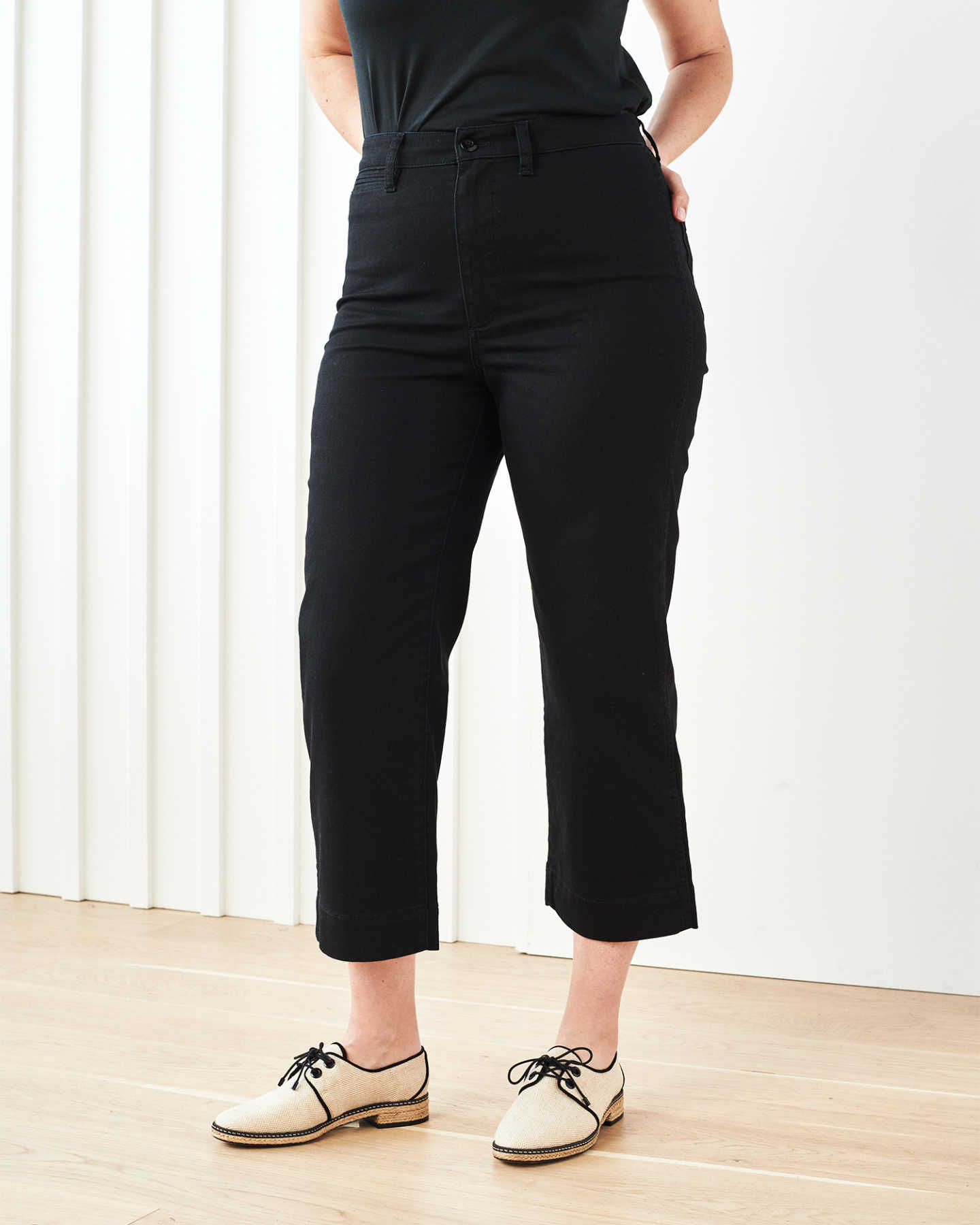 Stretch Cotton Twill Wide-Leg Crop Pant - Black