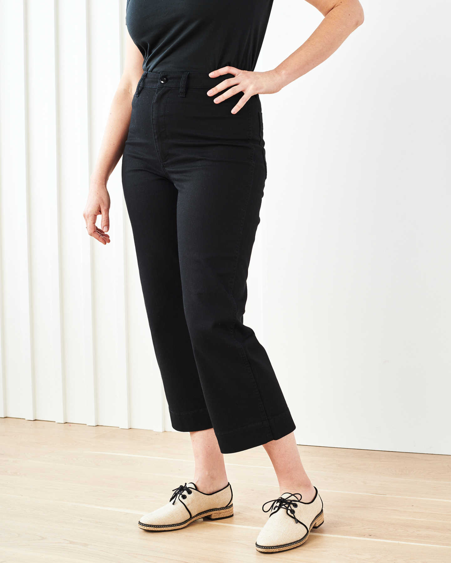 Stretch Cotton Twill Wide-Leg Crop Pant - Black - 5 - Thumbnail