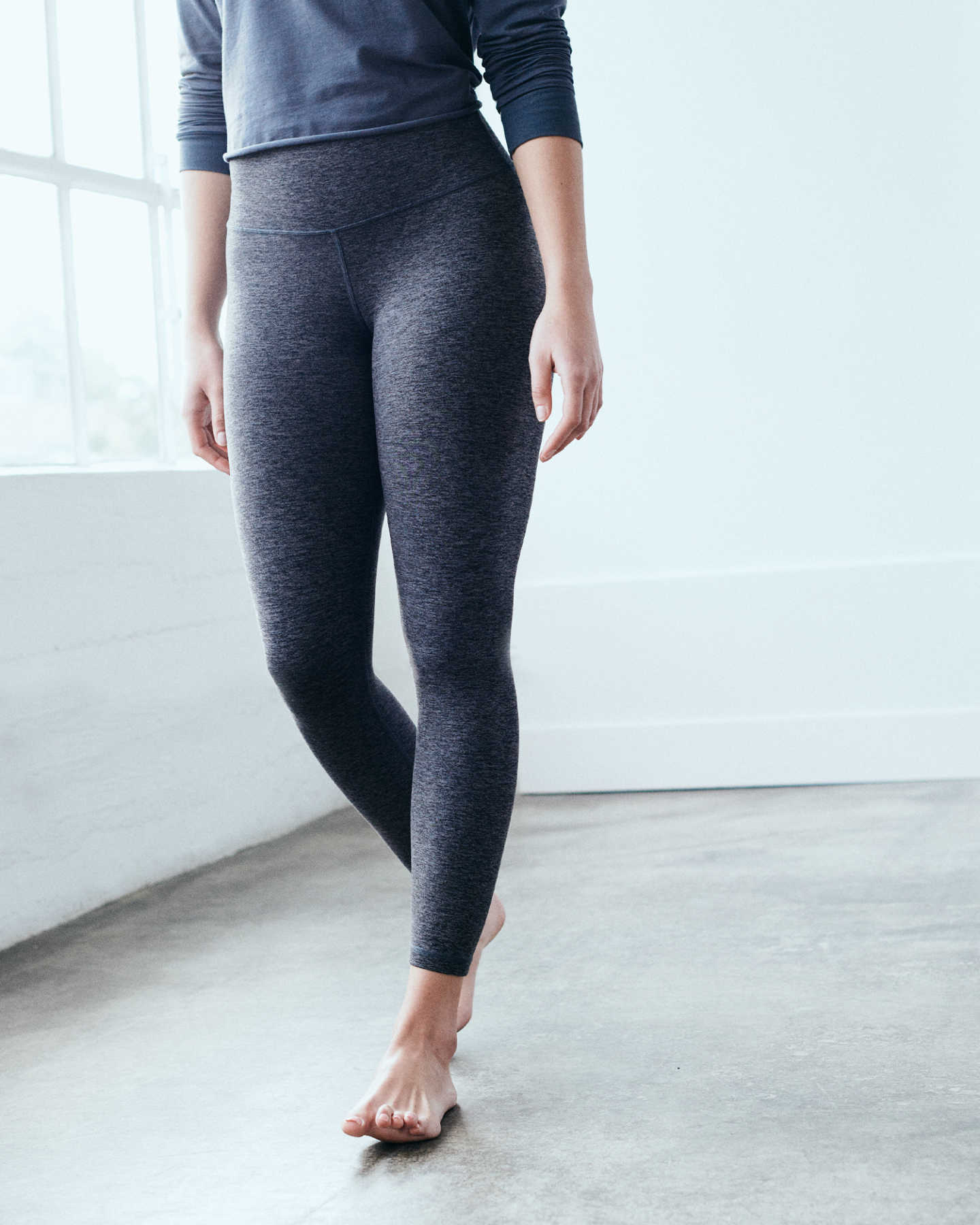 Flowknit Ultra-Soft Performance Legging - Charcoal