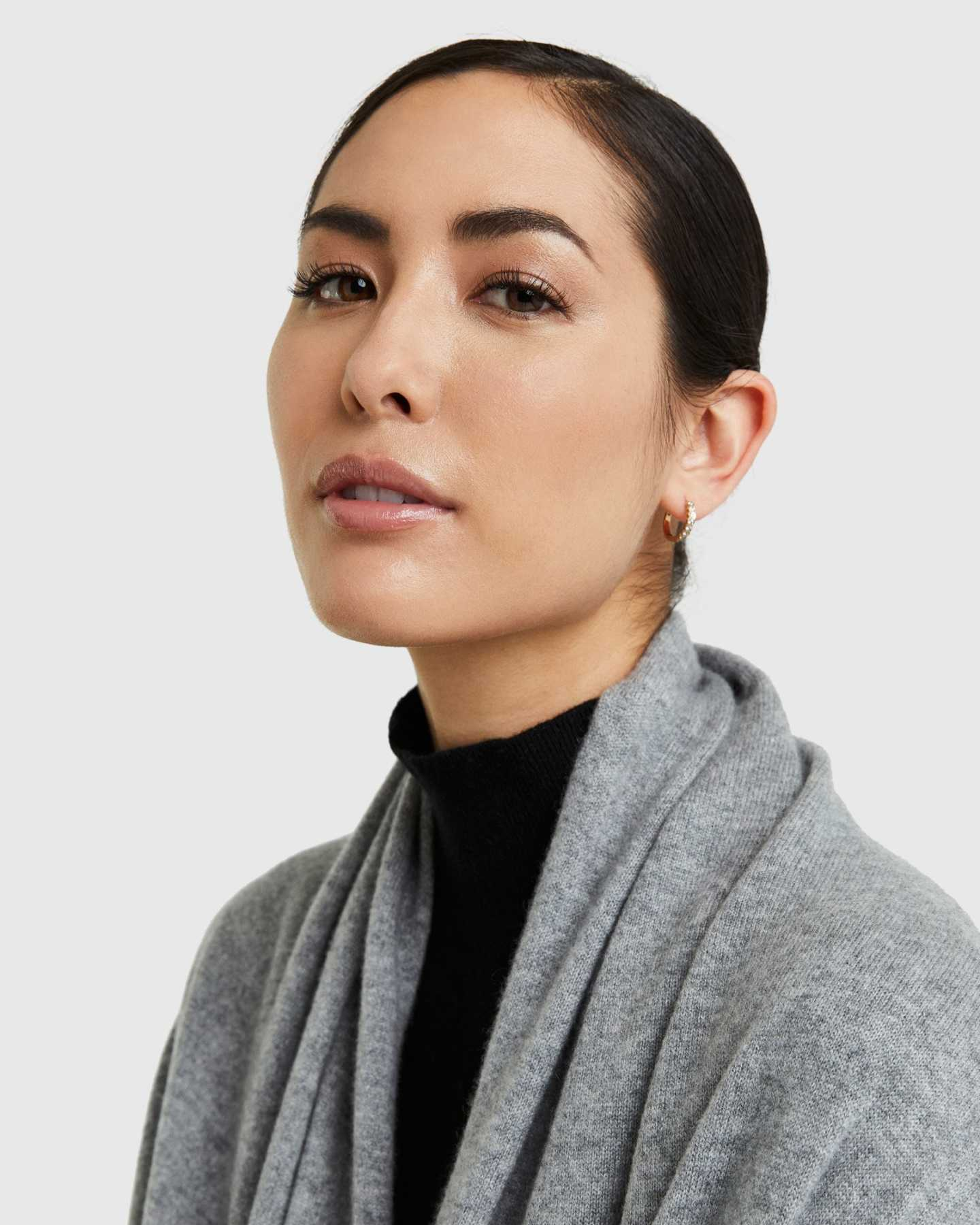 Mongolian Cashmere Wrap Capsule - Heather Grey