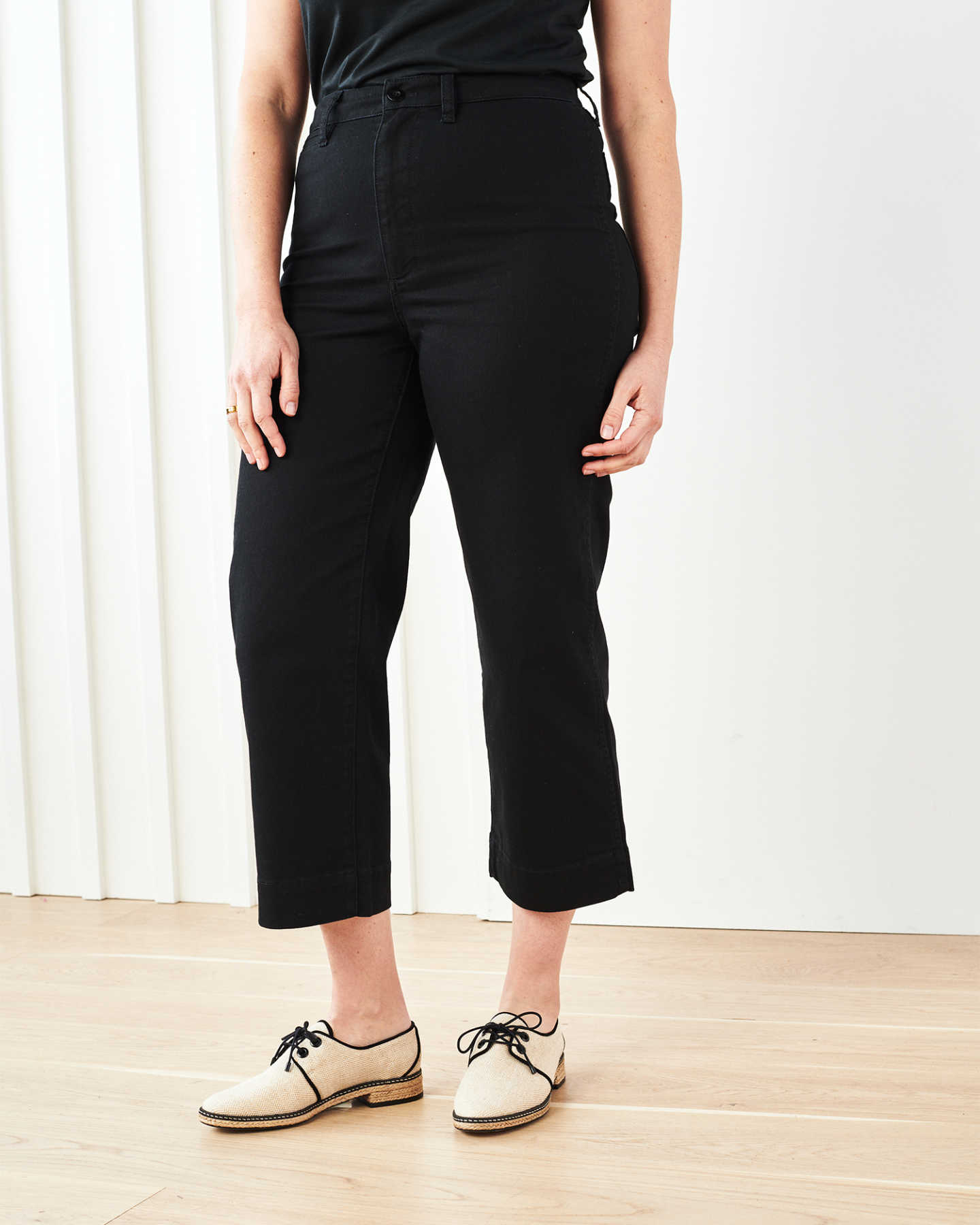Stretch Cotton Twill Wide-Leg Crop Pant - Black - 9