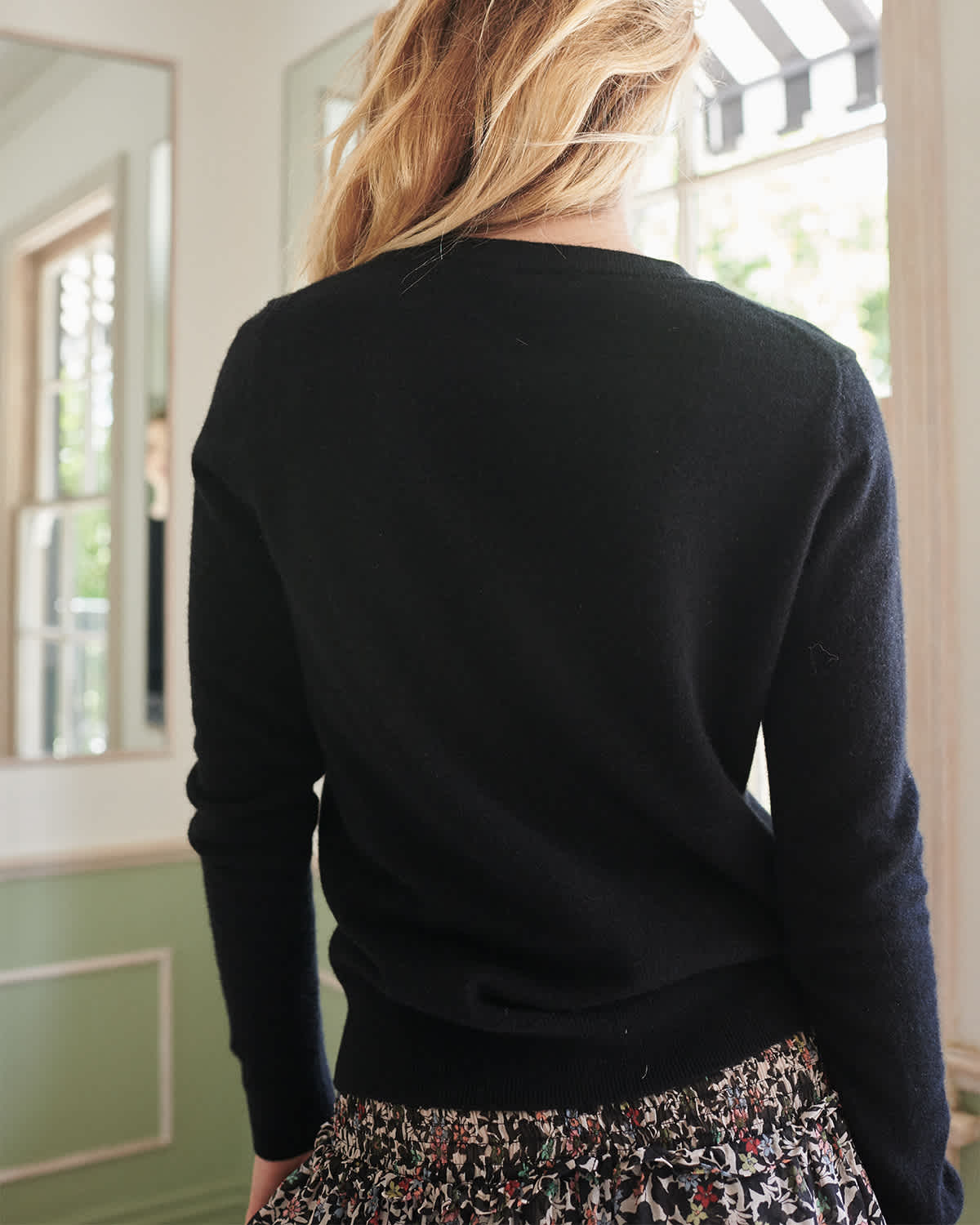 black cashmere sweater women from back