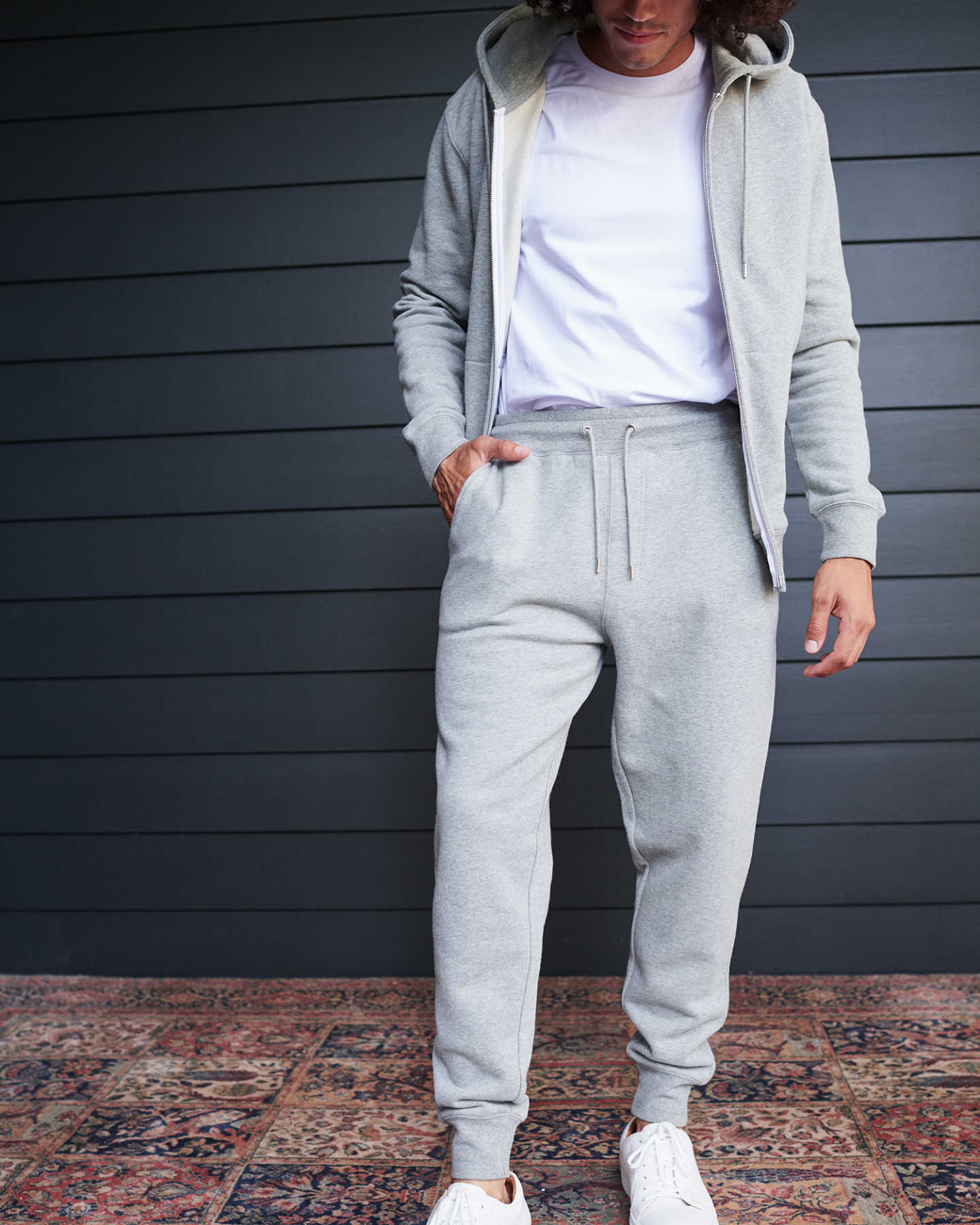Man wearing 100% organic cotton heavyweight sweatpants in grey