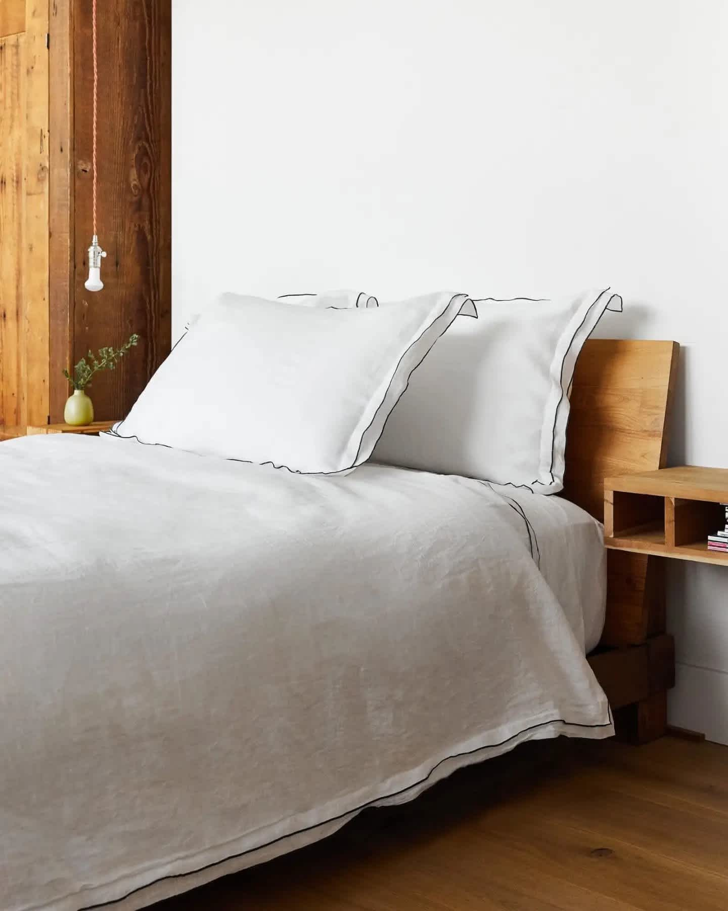 Belgian Linen Double Edge Embroidery Duvet Cover Set - undefined - 3