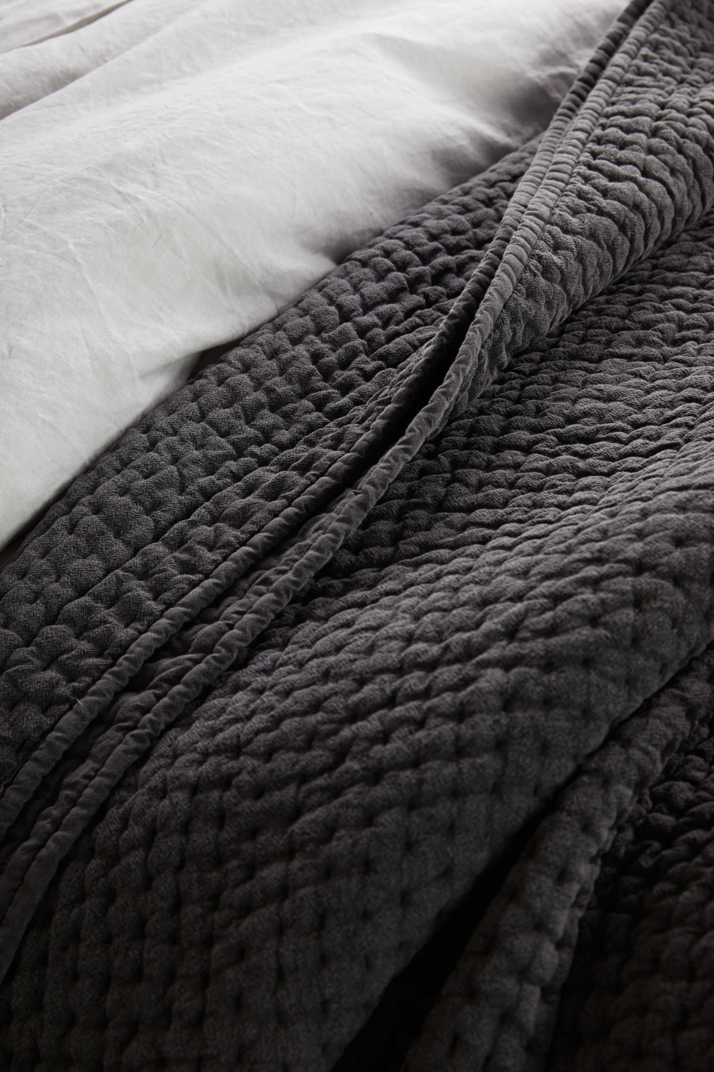 Stonewashed Handcrafted Cotton Quilt Set - Charcoal - 2 - Thumbnail