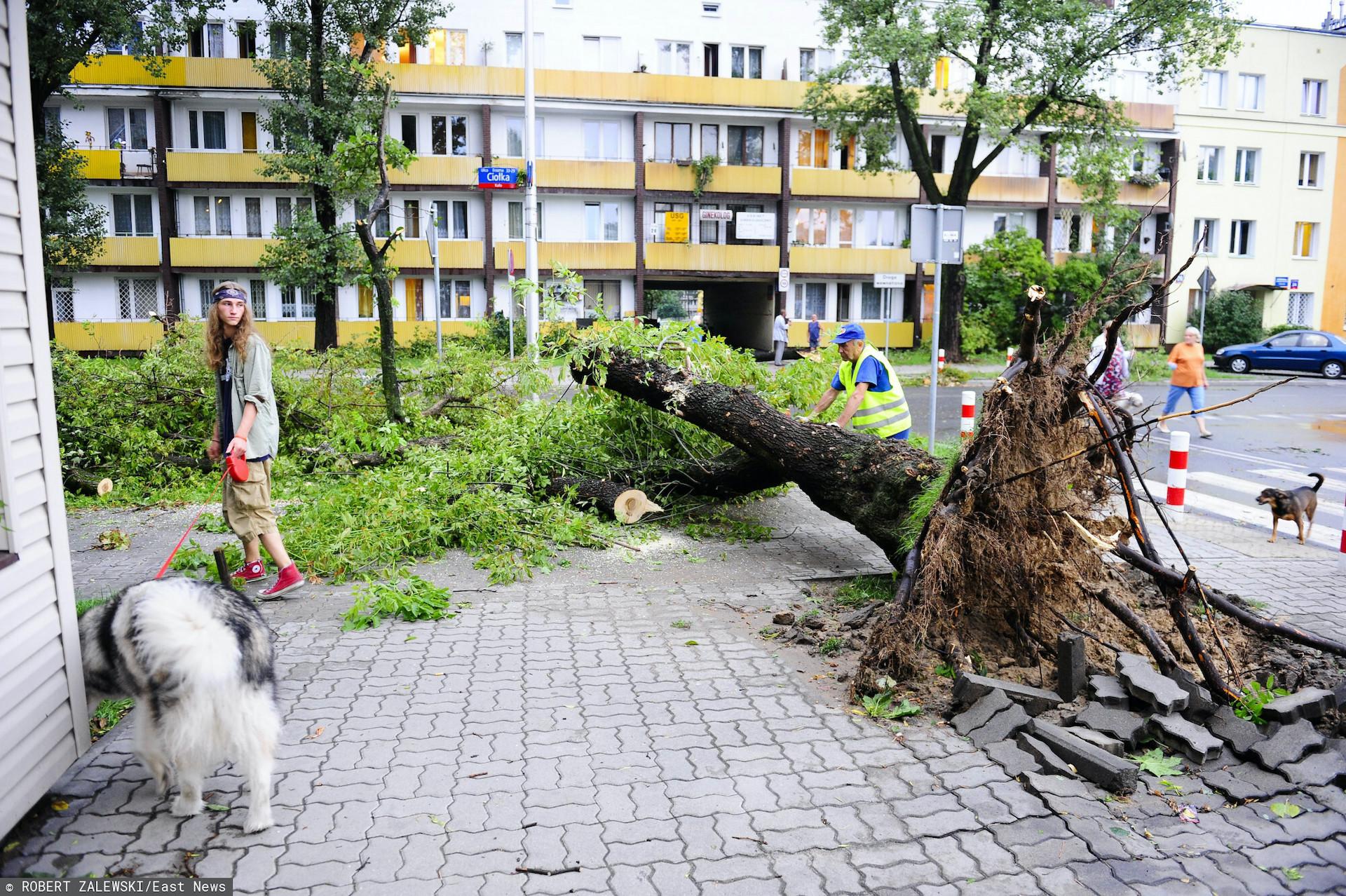 Nad Warszawę dotarła gwałtowna burza