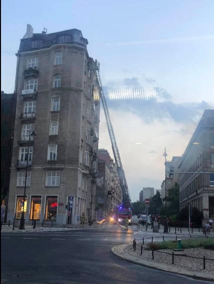 Akcja straży pożarnej przy placu Trzech Krzyży