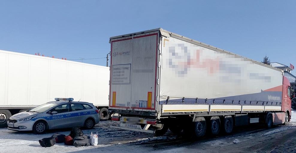 Uchodźcy w ciężarówce