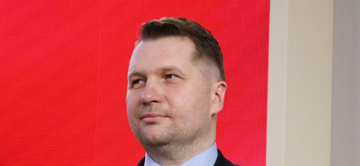Minister Czarnek zdradził, kiedy możliwy będzie powrót do szkół.