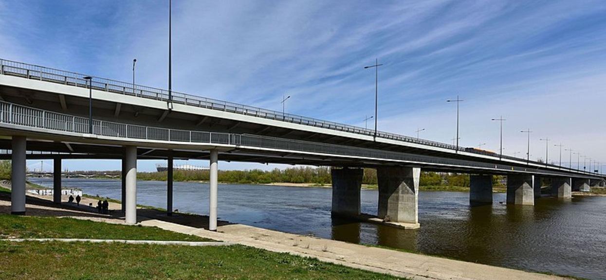 Trwają poszukiwania mężczyzny, który spadł z Mostu Łazienkowskiego