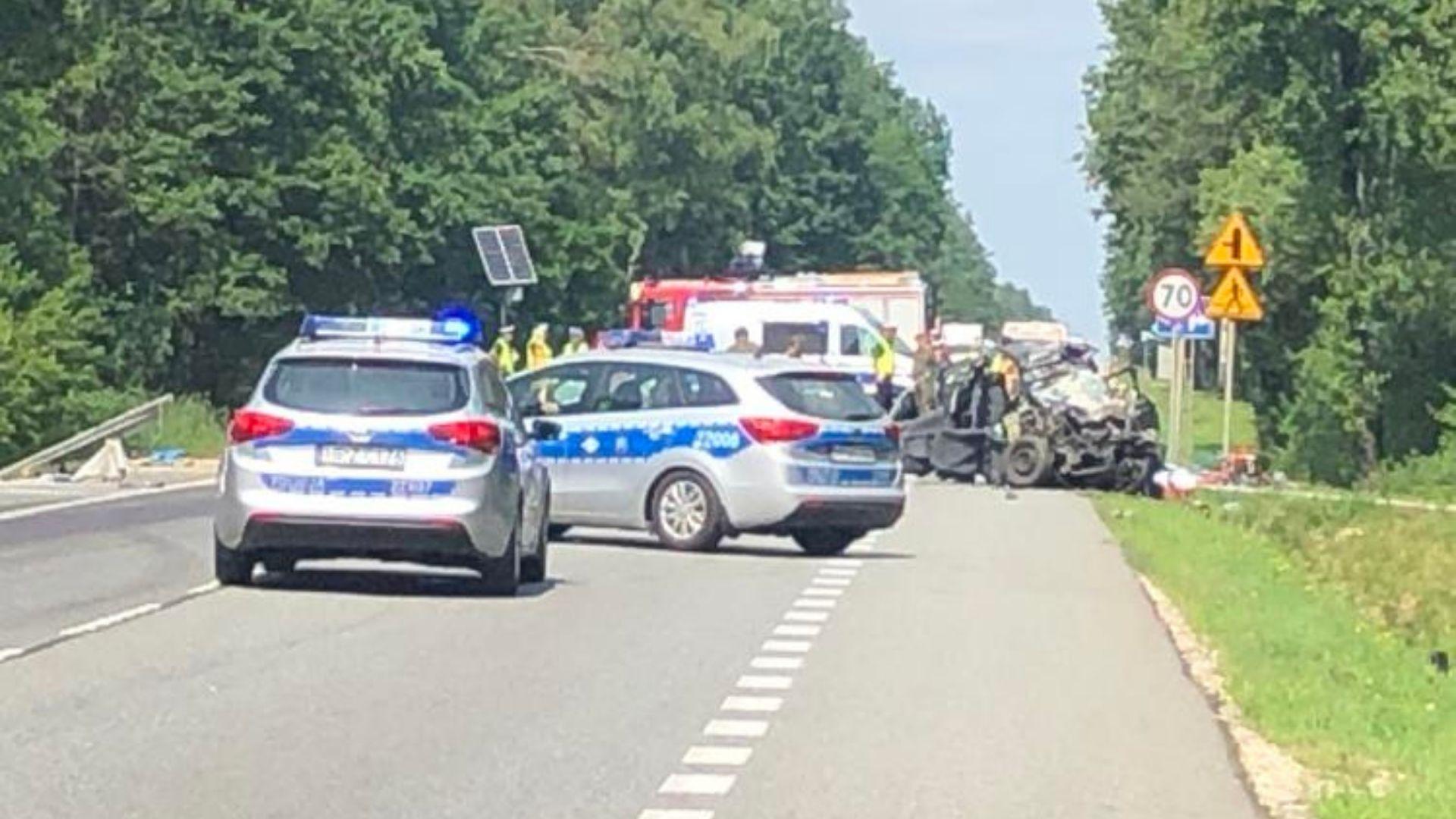 Kierowca TIR-a najprawdopodobniej próbował uniknąć zderzenia z osobówką w Grębiszewie